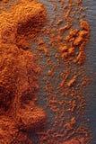 стена текстуры кирпича предпосылки старая Порошок перца красных чилей Взгляд сверху Стоковые Фото