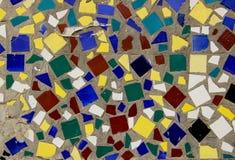 Стена украшенная с multicolor плитками Стоковое Изображение RF