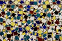 Стена украшенная с multicolor плитками Стоковые Фотографии RF