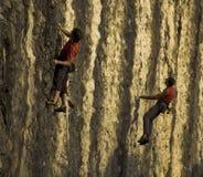 стена утеса альпинистов Стоковые Изображения RF