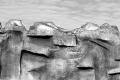 Стена утеса против голубого неба Стоковое Изображение