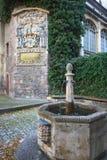 стена фонтана эмблемы Стоковое Фото