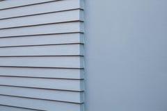 Стена цемента год сбора винограда серая с наполовину ровной и шагом Стоковые Фотографии RF