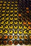 Стена шкафов вина стоковые фотографии rf