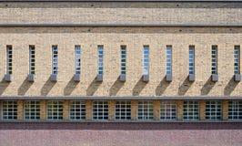 Стена школы стоковые фото