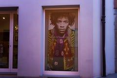Стена ядровой галереи, объявления sede жулика musem фотографии музыки изящного искусства Alba в di Cuneo Италии provincia стоковые фотографии rf