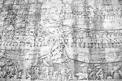 Стена Angkor Wat каменная с scupture культуры Стоковая Фотография RF