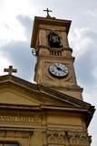 стена gallarate caiello старые и колокол пасмурный da башни церков Стоковые Фотографии RF
