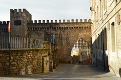 Стена Medival которая дает доступ к старому городку в Vitoria Архитектура, искусство, история, перемещение Стоковые Изображения RF