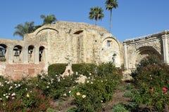 Стена San Juan Capistrano колокола полета Стоковые Изображения