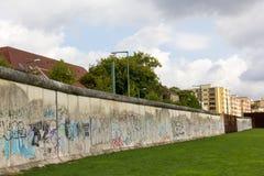 Стена strasse Берлина - Bernauer Стоковое Изображение RF