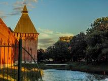 Стены города и башни древней крепости Стоковое Изображение