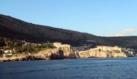 Стены Дубровника от моря Стоковые Фото