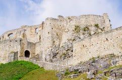 Стены замка Spissky Hrad, Словакии стоковая фотография rf