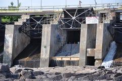Стены запруды Стоковая Фотография