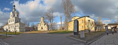 Стены и башни монастыря Andronikov moscow Россия Стоковые Фото