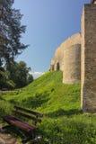 Стены старого средневекового замка в Европе Стоковые Фото