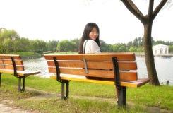 Стенд китайской женщины сидя Стоковые Фото
