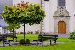 Стенд перед церковью Стоковые Изображения
