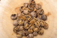 Стержени грецкого ореха и вся предпосылка древесины грецких орехов Стоковое фото RF