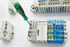 Стержень винта разного вида для электрического соединителя в магазине Стоковые Фото