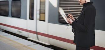 Стержень метро женщины ждать Стоковое фото RF