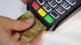 Стержень оплаты кредитной карточки используя электронный обломок видеоматериал
