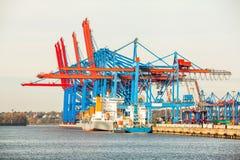 Стержень порта для нагружая и offloading кораблей Стоковые Изображения RF