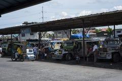 Стержень Jeepneys в Legazpi в Филиппинах стоковые изображения