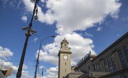 Стержень Kiyevsky железнодорожного вокзала Kiyevskaya железнодорожный, Kievskiy vokzal -- Москва, Россия стоковые фото