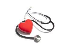 Стетоскоп с красным сердцем стоковые изображения rf