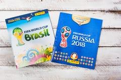 Стикеры и альбом Panini collectible для футбола 2018 России w Стоковая Фотография