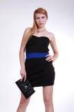 Стильная девушка в черноте Стоковое Изображение RF