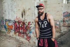 Стильный городской бородатый человек Стоковое фото RF
