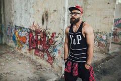 Стильный городской бородатый человек Стоковые Изображения