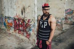 Стильный городской бородатый человек Стоковые Фото