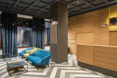 Стильный интерьер в гостинице стоковые изображения rf