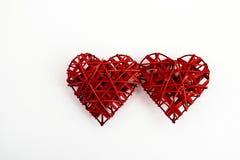 2 стильных красных сердца, изолированного на белой предпосылке, валентинки Стоковое Изображение