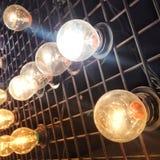 Стиль внутреннего художественного оформления электрических лампочек винтажный Стоковые Фото
