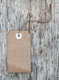 Стиль пустой бирки ретро на старой деревянной текстуре Стоковые Изображения
