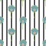 Стилизованные цветки на striped предпосылке, безшовной картине Стоковое Изображение RF