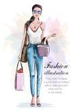 Стильная красивая женщина с хозяйственными сумками эскиз Девушка нарисованная рукой в одеждах моды иллюстрация штока