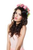Стильная фотомодель женщины с венком цветков Стоковая Фотография