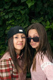 Стильные девушки в парке Стоковое фото RF