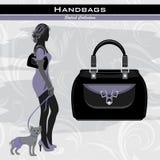 Стильные сумки. Элегантная женщина с маленькой собакой Стоковое Фото