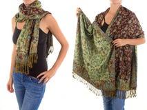 Стильный женственный шарф с восточной картиной Стоковые Фотографии RF