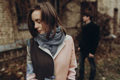 Стильный представлять женщины и человека романтичный спокойный атмосферический момент Стоковая Фотография