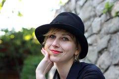 Стильный усмехаться женщины Стоковая Фотография