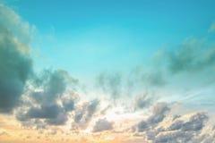 Стиль зимы небесно-голубой винтажный в солнечном дне стоковое изображение rf
