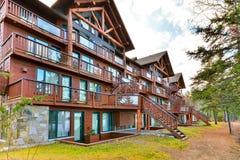Стиль красивого дома деревянный Стоковые Изображения
